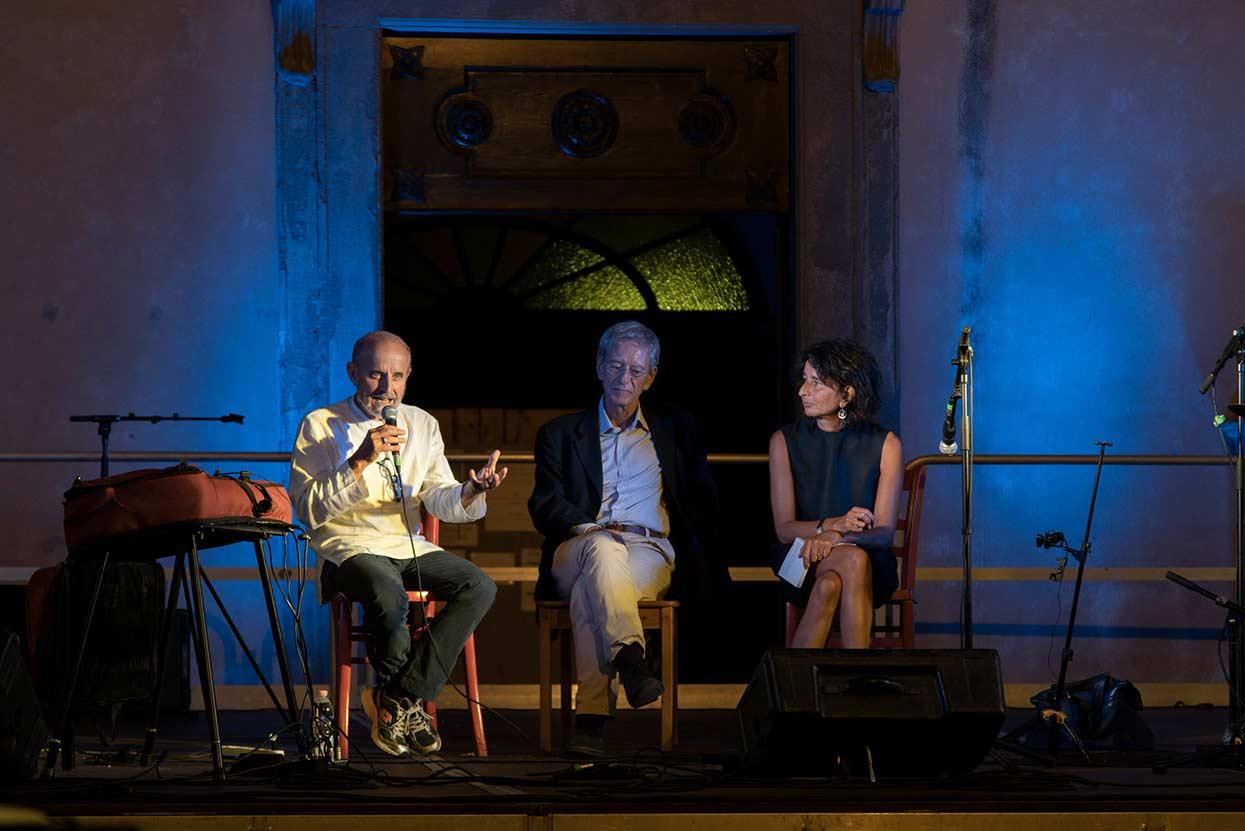 Momento dedicato a Gianmaria Testa: Giuseppe Cederna, Luciano Minerva, Paola Farinetti